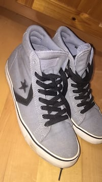 Gray converse shoes size 8 mens and size 9.5 womens  Calgary, T2M