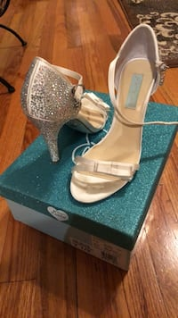 Betsey Johnson brand, size 7.5, worn once for wedding, rhinestone heal, heart charm on buckle  North Bellmore, 11710