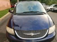 Chrysler - Town and Country - 2004 Bristow, 20136