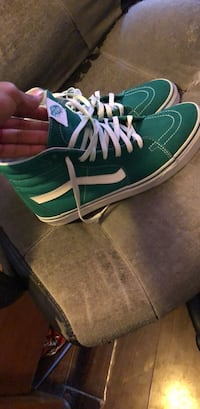 Green and white size 9.5 vans like new condition Suffolk, 23434