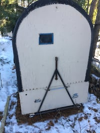 Portable ice fishing hut Barrie