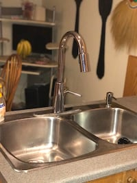 Stainless still sink with faucet Ottawa, K4A 4J6