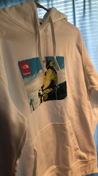 The North Face x Supreme Collab Hoodie Manassas, 20110