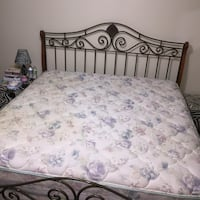 King bed box spring FREE w/head & footboard (obo) Des Moines, 50314