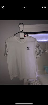 Louis Vuitton authentic shirt  Hollywood, 33021