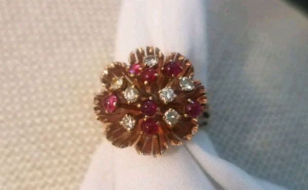 Ruby and Diamond 14kt Gold Ring sz 8 1/2