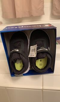 Champion boys shoes size 4 new still box with tags Winchester, 22601