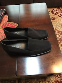 New. Pair of black flat shoes Vienna, 22182