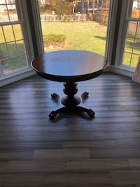 Pedestal Dining Table Ashburn, 20147