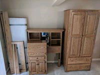 Handmade Amish twin bed set. W/ desk & wardrobe 63 km