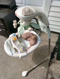 baby's white and gray cradle n swing Des Moines, 50317