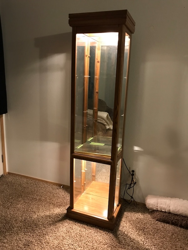Used 2 Tiered Lighted Curio Cabinet 6 Tall 17 Quot Wide And