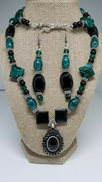 Turquoise Black and Green Necklace Set