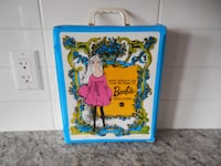 *Vintage* 1968 World of Barbie Doll Case. Some surface marks/wear from use, but still in great shape for age. Displays Great! $30 PU Morinville Morinville