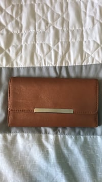 brown leather bi-fold wallet Silver Spring, 20910