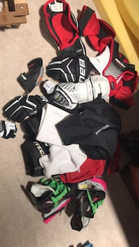 Youth small hockey equipment package
