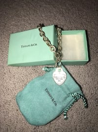 Tiffany chain bracelet with box Clinton Township, 48036
