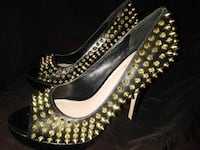 Vince Camuto High Heels Gold Spikes 8&1/2