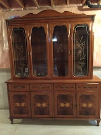 Antique Dining room hutch. 4 lower cupboards, and 4 drawers Bolton, L7E