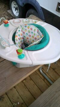 baby's white and teal sit me up chair and toy tray Lothian, 20711