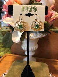 Gorgeous! 1928 Victorian Gold Earrings with Green Peridot Stone in the center Gainesville, 20155