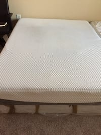 white and gray bed mattress WASHINGTON