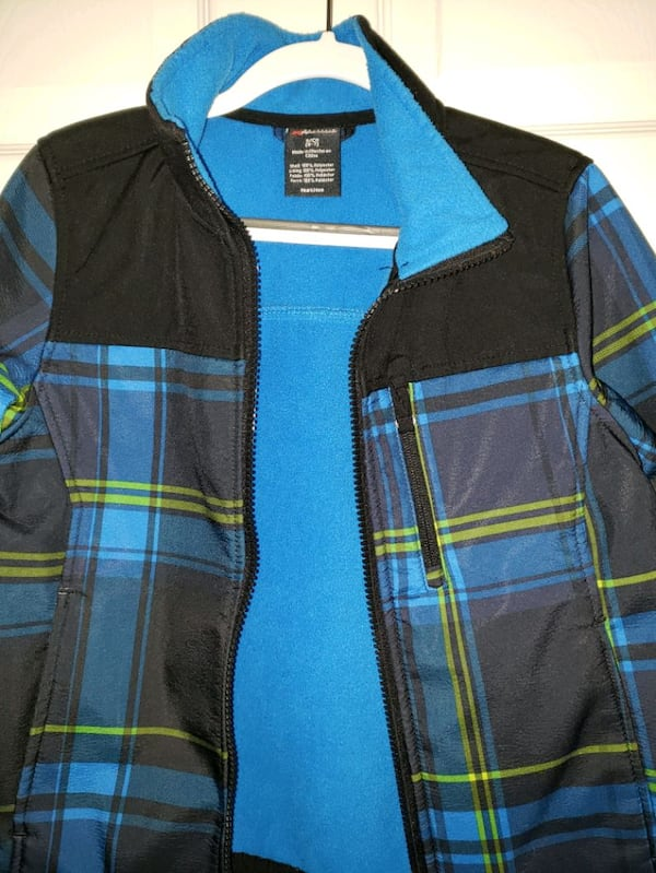 Boys Jacket - 6-7 yr old 6723b347-065d-4494-885d-0eabee9e49f8