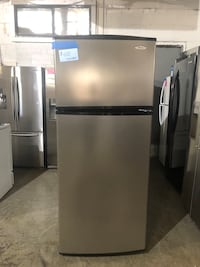 Whirlpool top & bottom fridge working perfectly Baltimore, 21223