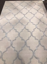 Brand new area rug %100 wool 6x9ft