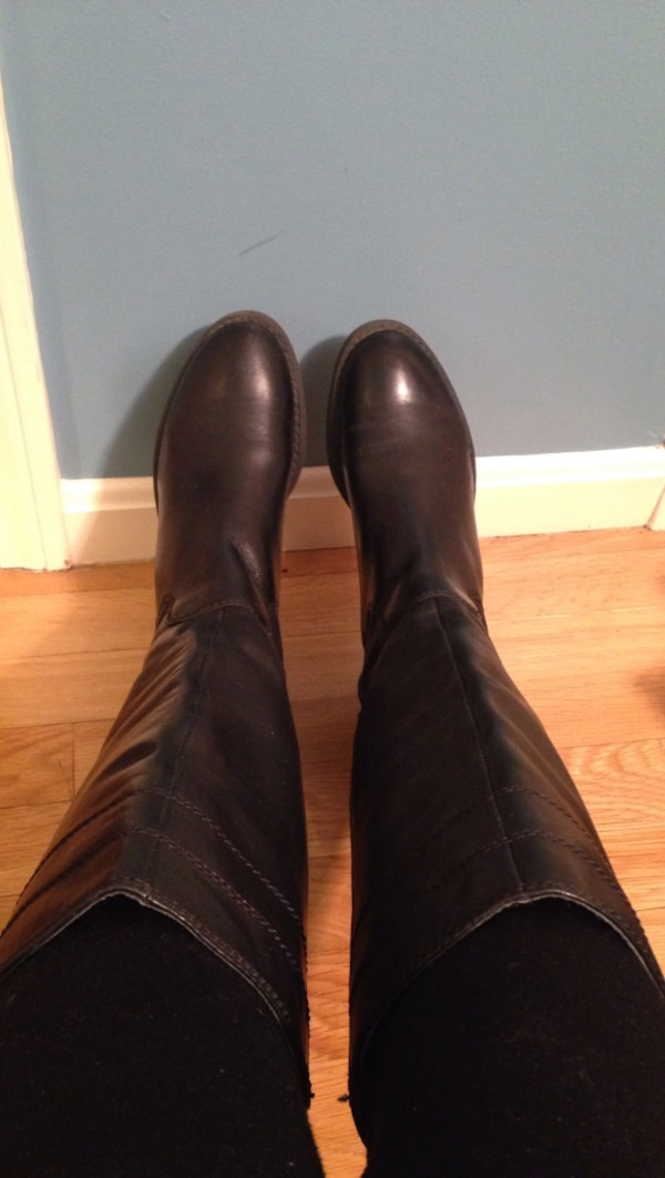 Natural leather boots size 6.5 very good condition like new