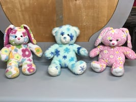Tons of Build A Bears for sale 10 discount for multiple purchase!