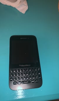 Blackberry Q5 Barrie, L4N 6Z4