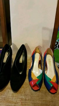 pair of black and blue leather flats Markham, L6C 2N4