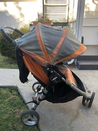 baby's black and brown stroller Los Angeles, 90045