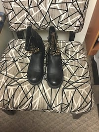 pair of black leather boots size 41 Toronto, M2J