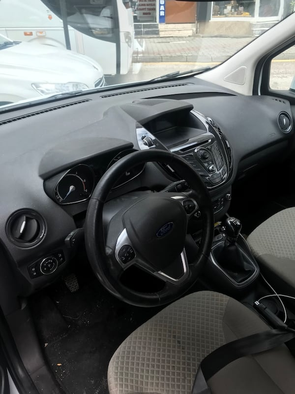 Ford - Courier - 2015 60fcde5e-bb01-4f04-8418-dc7ba1602394