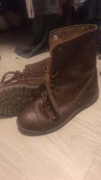 pair of brown leather boots Katy, 77449