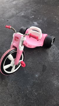 Toddler's pink and white trike North Miami Beach, 33162