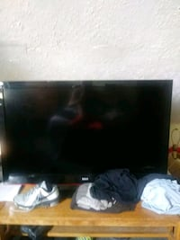 black RCA flat screen TV Louisville, 40229