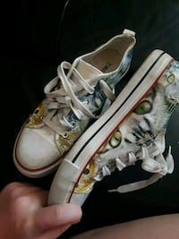 Cat shoes from hottopic Surrey, V3T 1L9
