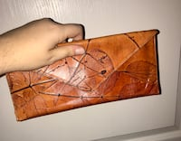 Leather clutch Alexandria, 22314
