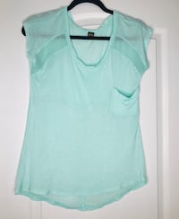 Mint green shirt with sheer details. Size: M Oxon Hill, 20745