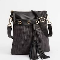 Roots French Tassel woven leather crossbody- black with gold hardware. Vancouver, V5V 4X8