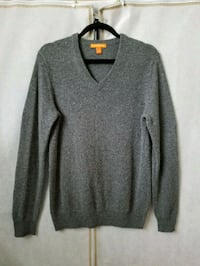 V-neck wool sweater Winnipeg, R2X 0P4