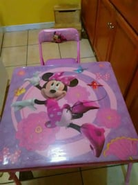 Minnie mouse kids table