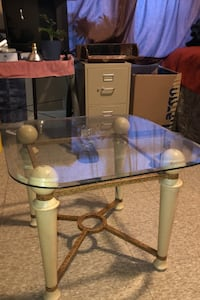 Table with glass top Saint Paul, 55103