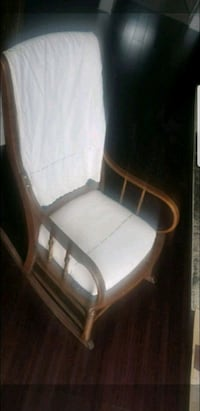 Rocking chair Brampton, L6R 2K7