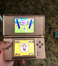 Nintendo DS Lite Pink with 1 game Round Hill, 20141