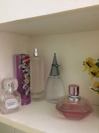 assorted color perfume bottles