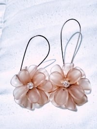 Pretty in Pink Flower Earrings Saint Paul, 55106